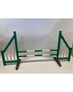 Horse jumping green (open) complete with two jumping beams and 4 suspension supports