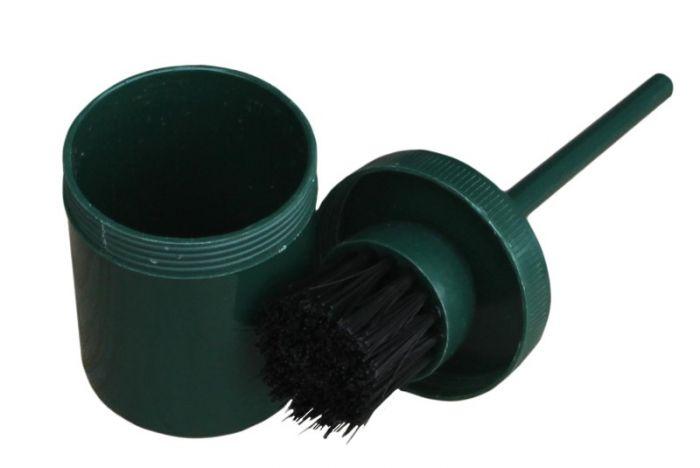 Hofman Brush in pot